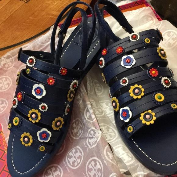 d52b832dca4 Tory Burch Marguerite Flat Sandals - 8.5M. M 5a94c9d2a825a69e17f8c169